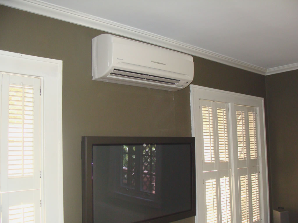 Ductless and ducted system installed by Pacific HVAC Air conditioner #5B5040